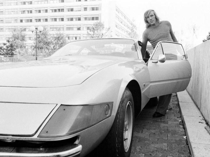 Stars & Cars 3 El futbolista alemán Günter Netzer y su Ferrari Daytona