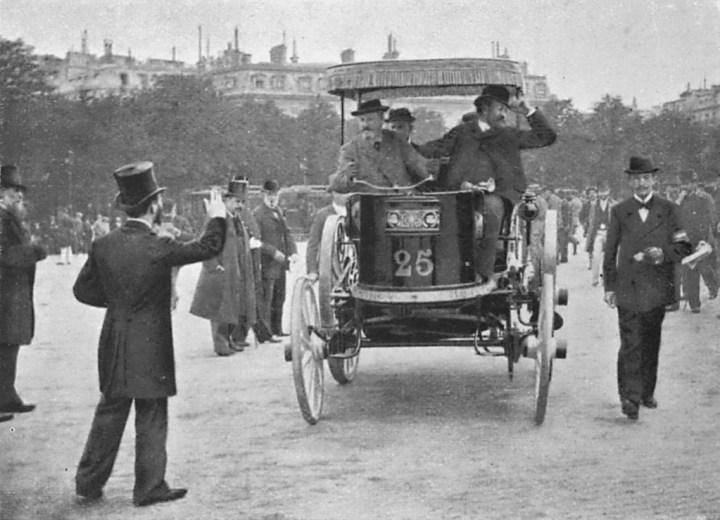 Primeras carreras de coches: Jeantaud eléctrico en la Paris-Burdeos-Paris de 1895