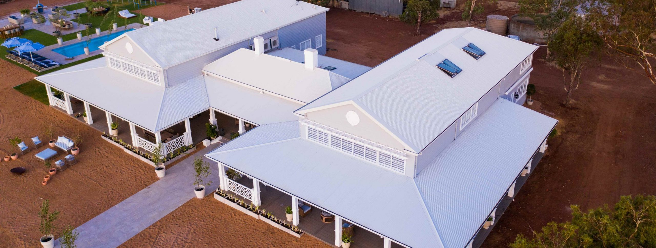Hamptons style colorbond roofing pr