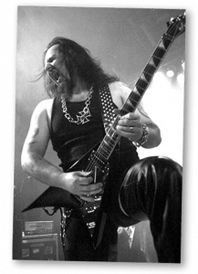 Metal Mike Chlasciak lays down some tasty riffs!