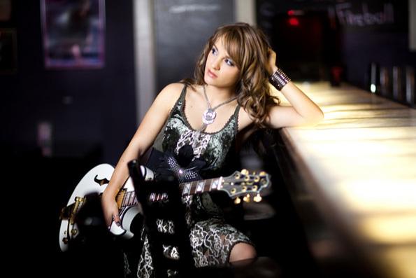 Rachele-Lynae-feature-2013-3