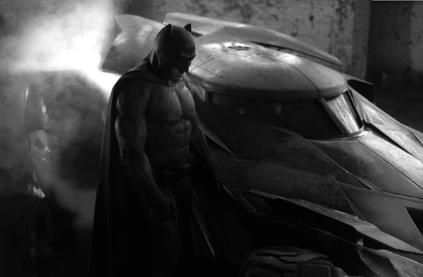Ben_Affleck_Batsuit_Batmobile-2014
