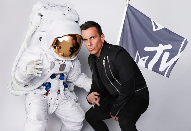 "Sebastian Maniscalco to host the 2019 MTV ""VMAs"""