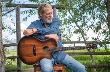 Jeff Bridges X Breedlove Guitars