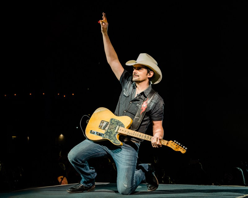 Brad Paisley Announces Tour 2021 - Photo by Jeff Lipsky