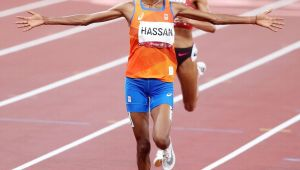 Felix most decorated in U.S. track with relay gold