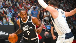 Sources: Kawhi staying with Clips despite opt-out