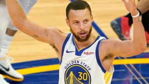 Warriors' Curry gets 4-year, $215M extension