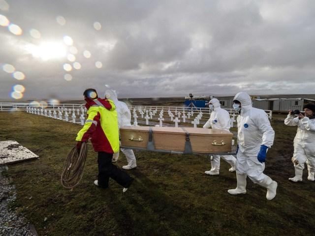 Falkland/Malvinas Islands: Giving back the dead their names | ICRC