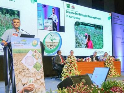 Mr Krishna Byre Gowda, Minister of Agriculture, Govt. of Karnataka, speaking at the InterDrought-V held in Hyderabad, India. Photo: Shiva/Somesh