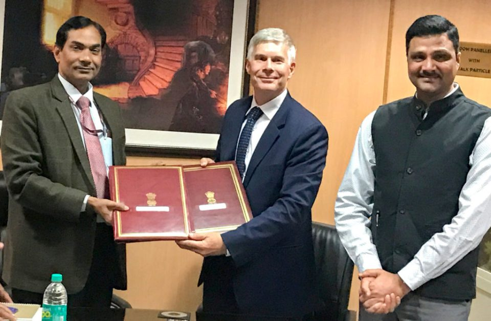 Dr Mohapatra, Director General, ICAR, Dr Bergvinson, Director General, ICRISAT and Dr Padhee, Director, Country Relations and Business Affairs, ICRISAT at the signing. Photo: ICRISAT