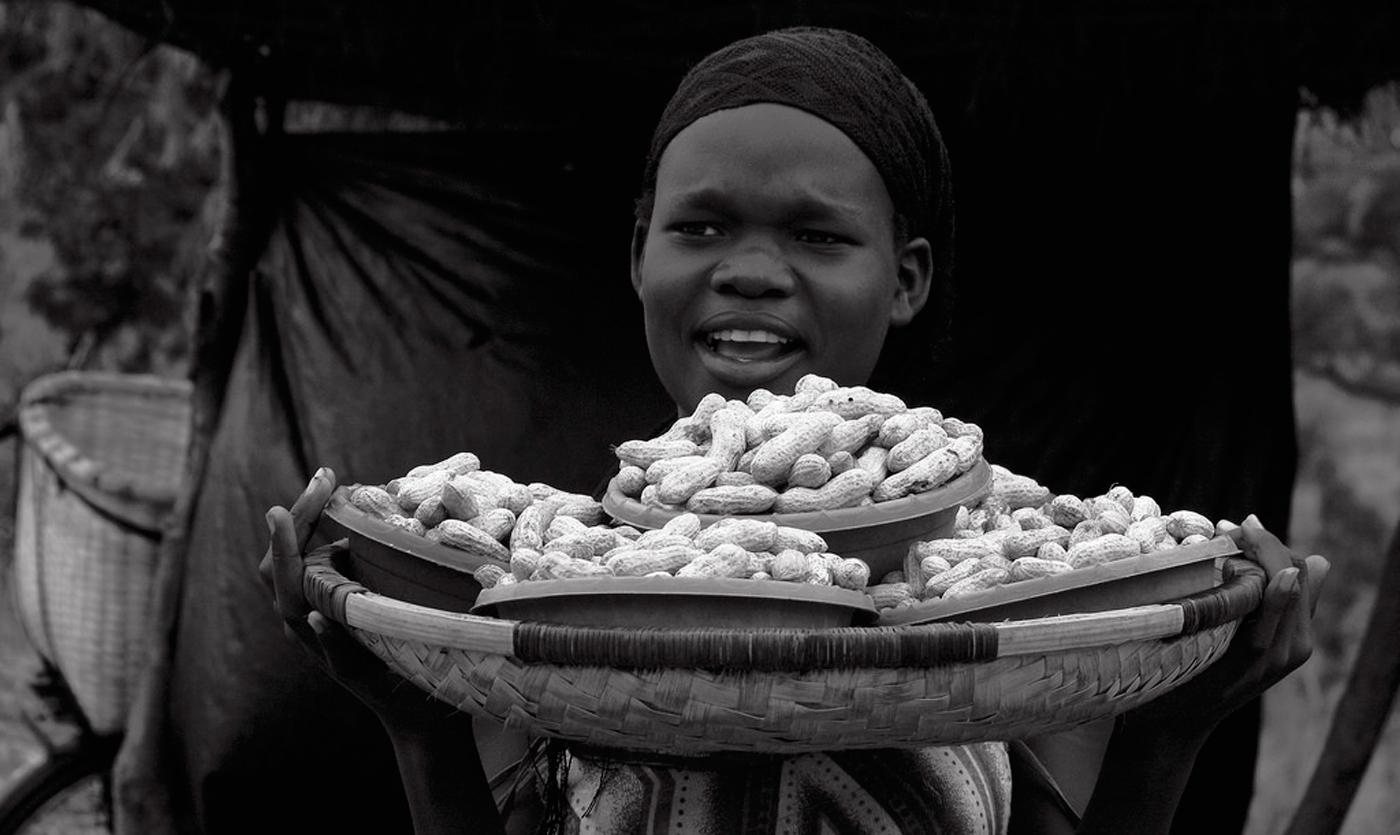 Roadside Groundnut Sales Photo: Swathi Sridharan