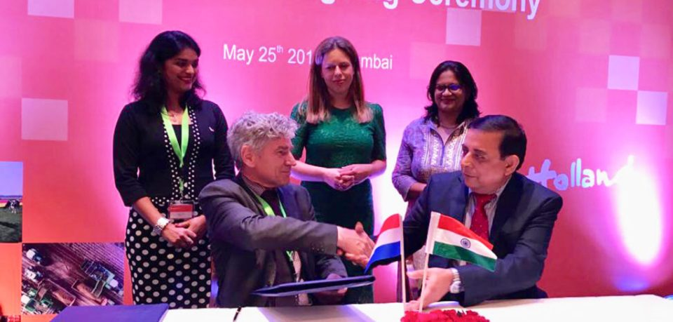 Signing of LOI between ICRISAT and KeyGene- (Sitting Left) Arjen van Tunen, CEO, KeyGene; (Sitting Right) Kiran K Sharma, Deputy Director General Research (Acting ), ICRISAT in the presence of Ms. Carola Schouten ( Standing in Centre), Deputy Prime Minister and Minister of Agriculture, Nature & Food Quality, The Netherlands; Sheetal Dixit (Standing on Left) , Business Development Manager Asia - ‎KeyGene ; Pooja Bhatnagar-Mathur (To the Right) , Theme Leader - Cell, Molecular Biology and Genetic Engineering. Photo: Pooja Bhatnagar-Mathur ICRISAT