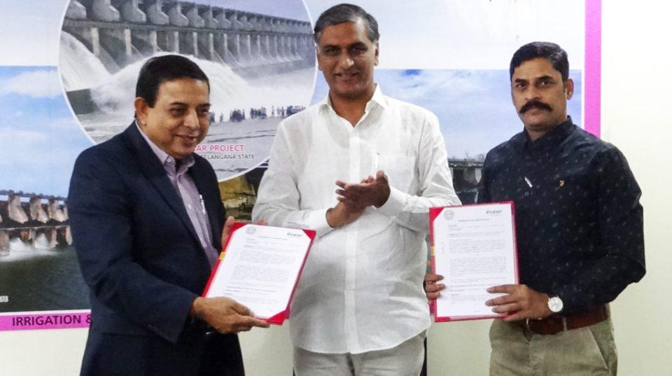 (L-R) Dr Kiran K Sharma, Mr Harish Rao and Mr G Malsur. Photo: G Chander