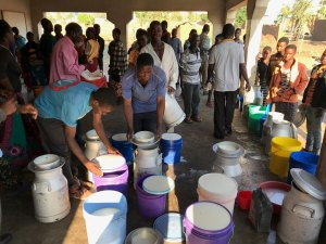 Milk delivery and quality testing at the bulking center Photo: Sabine Homann-Kee Tui