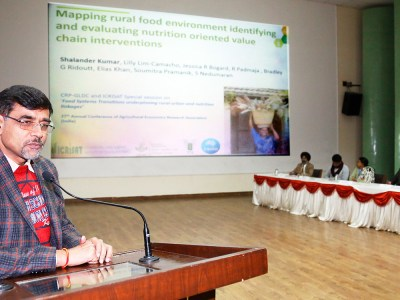 Dr Shalander Kumar, Principal Scientist, ICRISAT, speaking at the conference at Punjab Agricultural University (PAU), Ludhiana. Photo: PAU