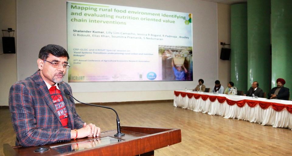 Dr Shalander Kumar, Principal Scientist, ICRISAT, speaking at the conference at Punjab Agricultural University (PAU), Ludhiana. Photo: PAU