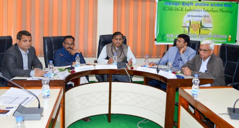 (L to R) Dr Manish Pandey, Dr T Radhakrishnan, Dr VP Chovatia, Mr Khushwant Jain, and Dr IU Druj at the industries interface meeting held in Junagadh, India. Photo: DGR, Junagadh