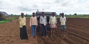 Demonstration of Broad Bed and Furrow system in farmers' fields. Photo: ICRISAT
