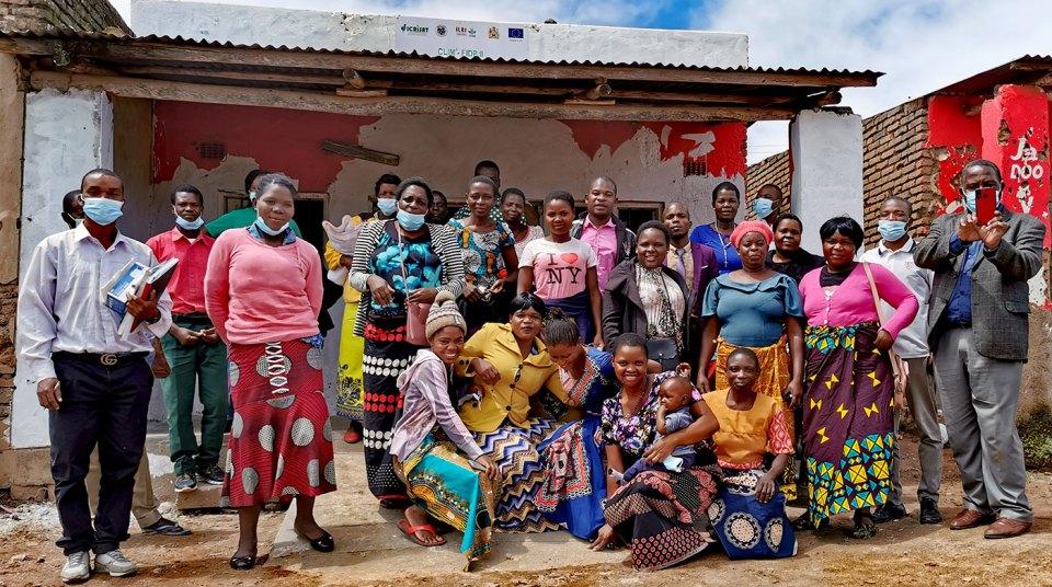 Umodzi Dairy processor cooperative in Thyolo District. Sabine Homann-Kee Tui, ICRISAT