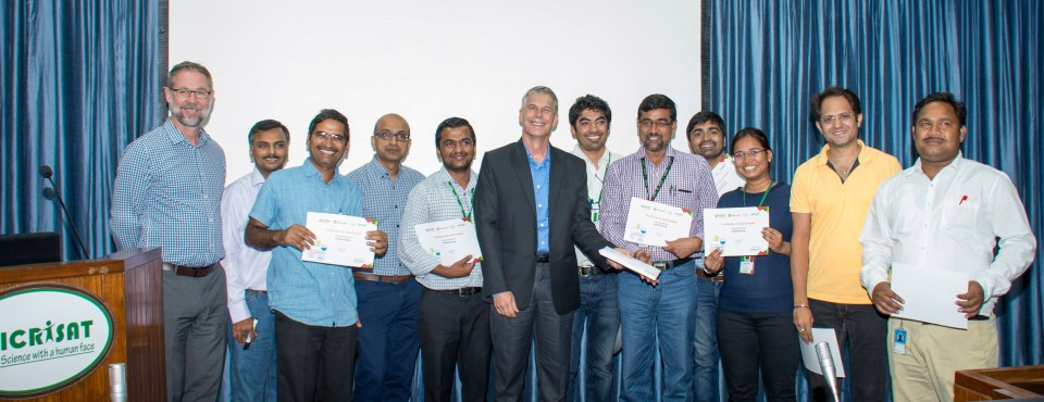 The winners of the Hack4Farming receiving certificates and price amount of US$2000 from judges. Photo: Srujan Punna, ICRISAT.