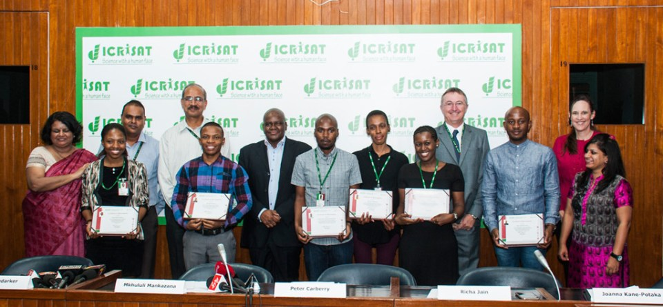 Trainees received certificates from ICRISAT and South African officials