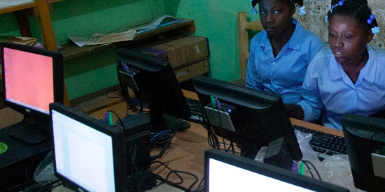 haiti-female-students
