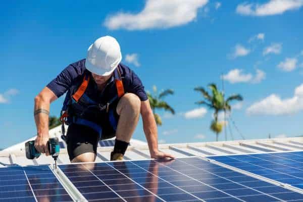 Devis installation panneaux solaires par un professionnel