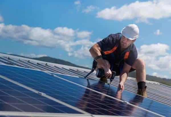 Votre toit supporte-t-il les panneaux solaires ?