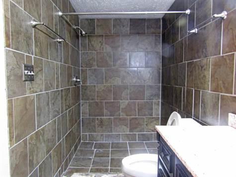 111Banburybathroom5