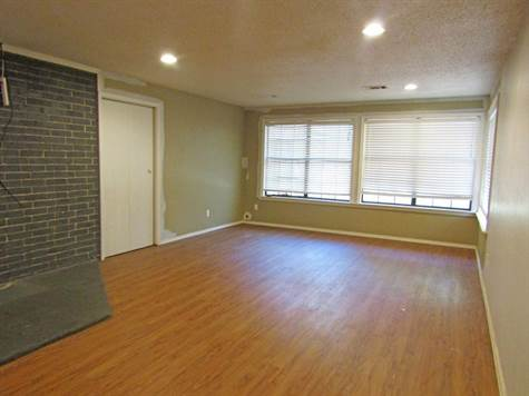 111Banburylivingroom3