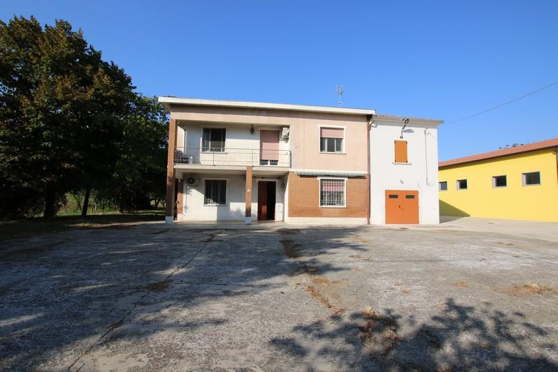 CASA SINGOLA IN VENDITA A MIRANDOLA – LOC. QUARANTOLI – RIF 038_26