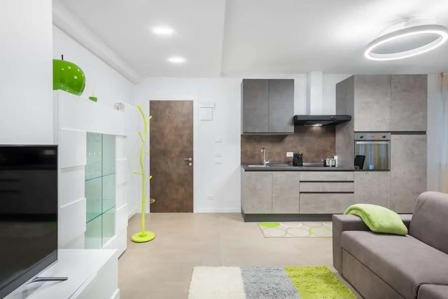 Foto della cucina open space soggiorno 30 mq. Ristrutturazione Di Un Appartamento Di 60 Mq A Merano Idea Casa Plan