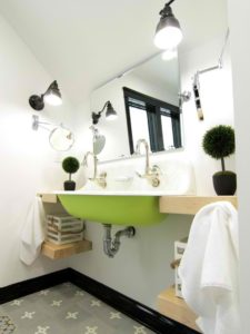 BP_DHMB403-Eclectic-Bathroom-Green-Sink_s3x4_lg