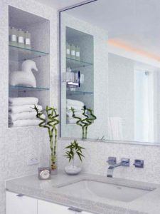 DP_Michael-Habachy-modern-white-bathroom-vanity_s3x4_lg