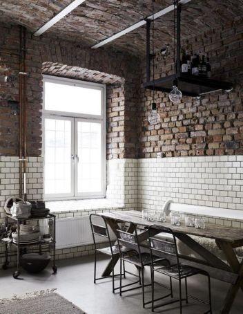 parete mattoni a vista stile industrial chic arredo bagno cucina