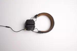 headphone-1868612_640