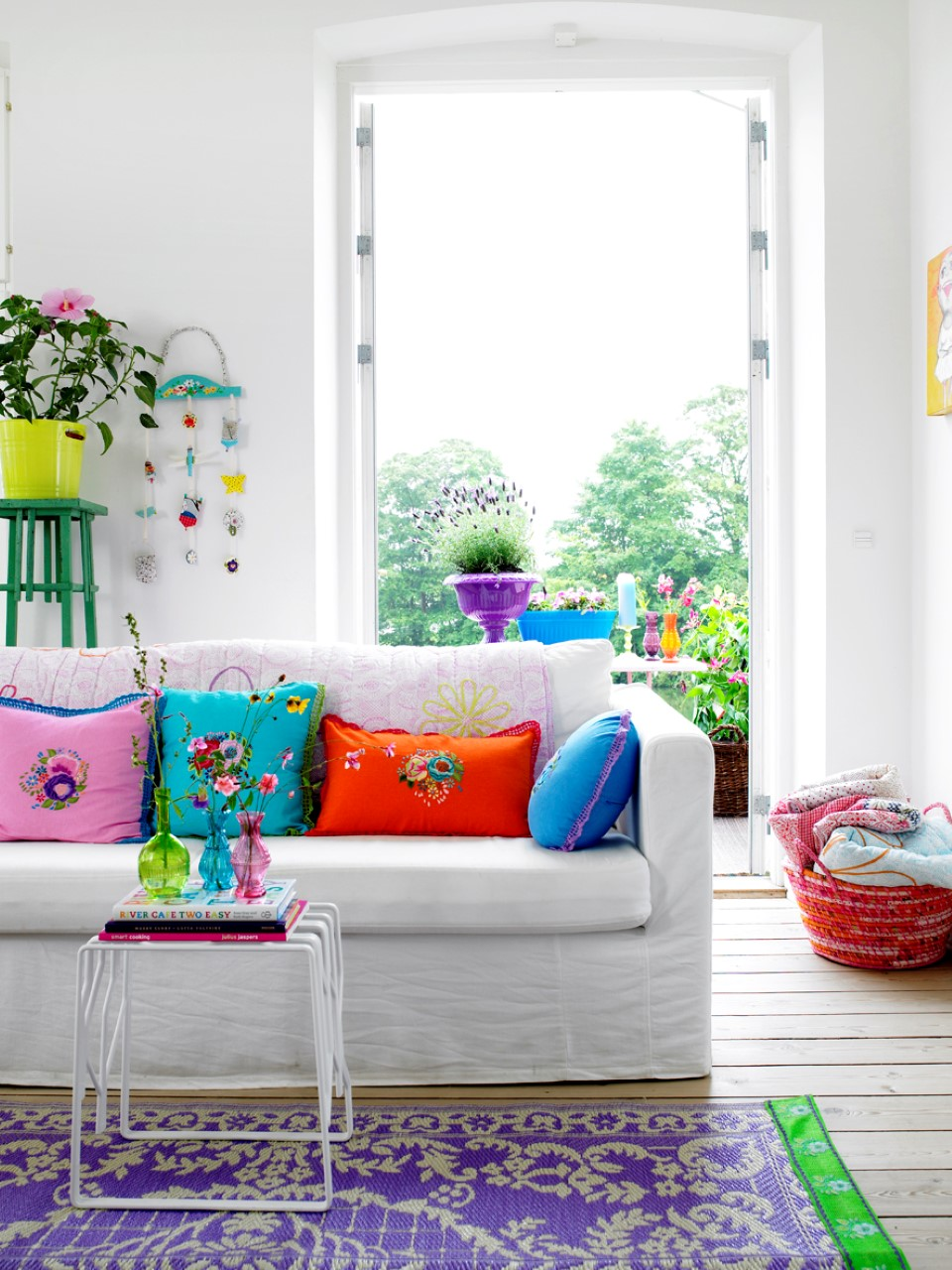 Fun and Bright Living Room Color Ideas Wrapping Comfort ... on Fun Living Room Ideas  id=13701