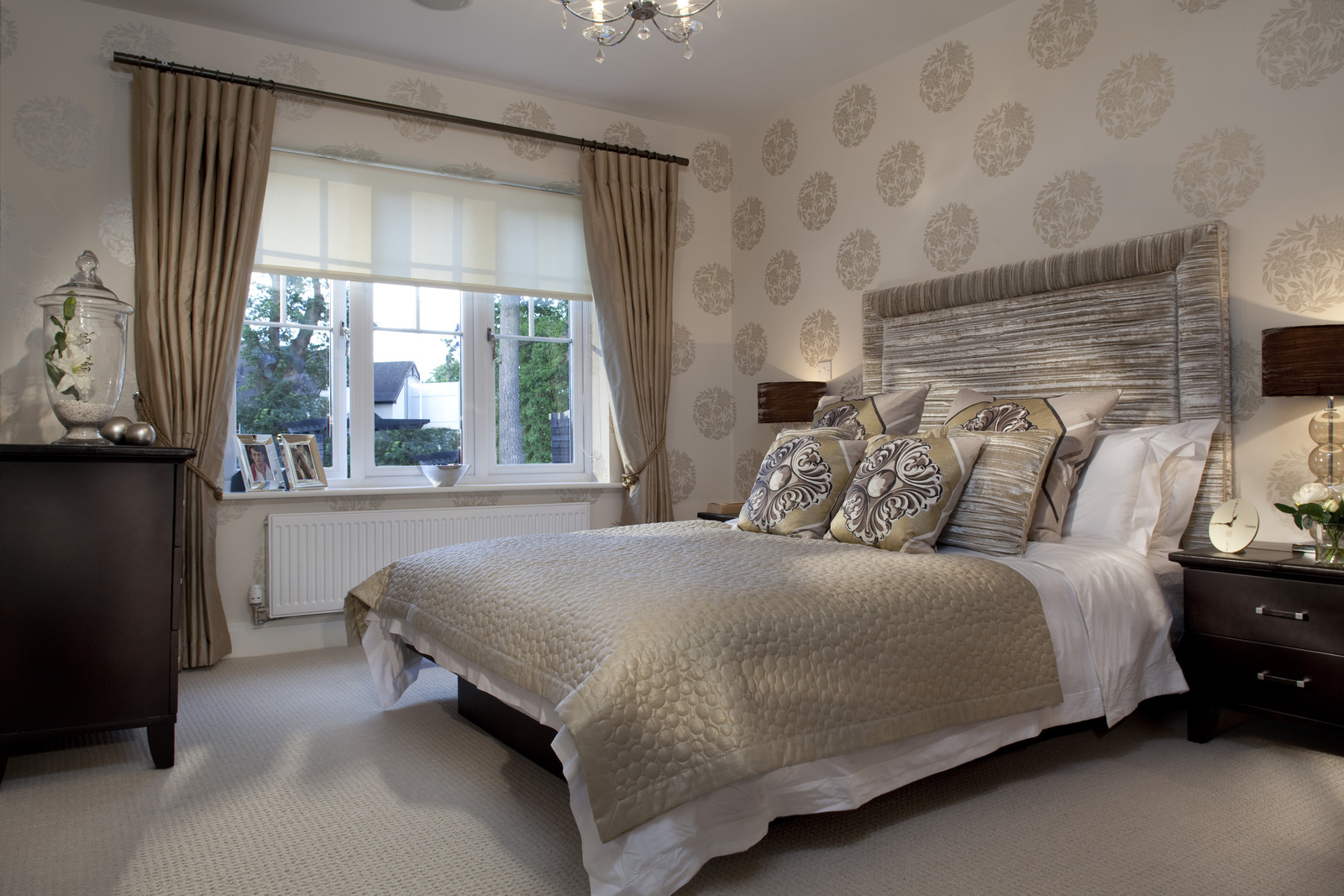 Stylish Apartment Bedroom Ideas for Comfort and Style ... on Comfortable Bedroom Ideas  id=82187