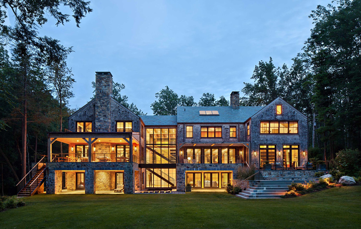 Luxury Lake House in the USA