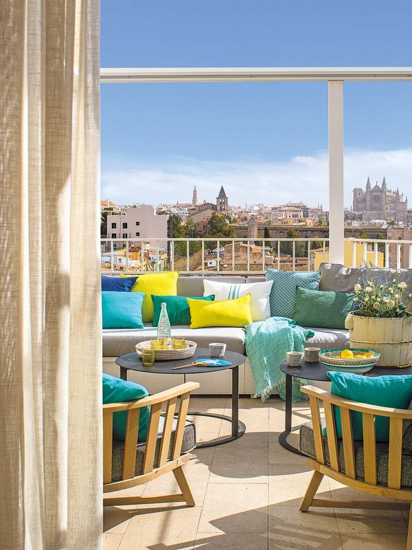 Bright Penthouse in Spain