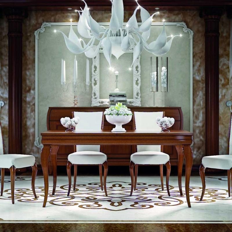 Tavoli e sedie arredano l'area pranzo nel living. Tavolo 160 240x90 In Stile Classico Contemporaneo