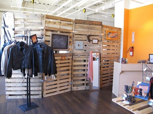 How to Make Wooden Pallet Room Divider - Ideas with Pallets on Pallet Room Ideas  id=66297