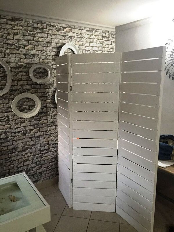 How to Make Wooden Pallet Room Divider - Ideas with Pallets on Pallet Room Ideas  id=34410