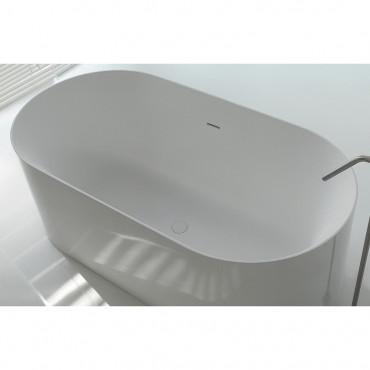 baignoire ovale en solid surface au centre de la piece hoop 160