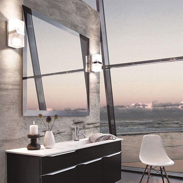 Avere uno specchio in bagno che sia comodo e permetta di specchiarsi al meglio per procedere alla. Luce Specchio Bagno Idee Per Illuminare Con Lampade E Faretti Idee Bagno