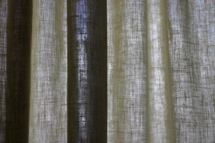 Le tende moderne per interni sono in grado di rifinire gli spazi di casa in modo impeccabile e sofisticato. Tende Moderne Per La Casa Pro E Contro Di Ogni Tipologia