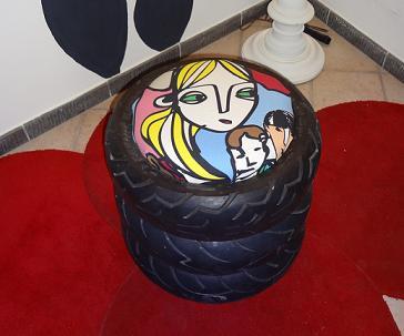 Un pouf realizzato con le gomme dello scooter www.ideepercaso.it