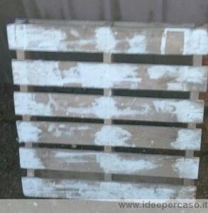 stuccare i fori del pallet di legno