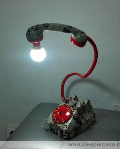 lampada telefono stile pop art